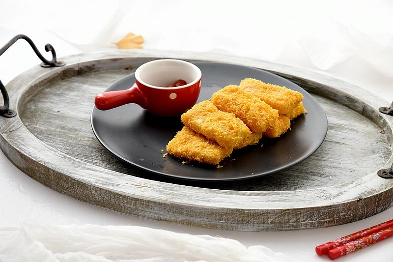 吃起来不油不腻特别香的炸鱼排,上桌秒光