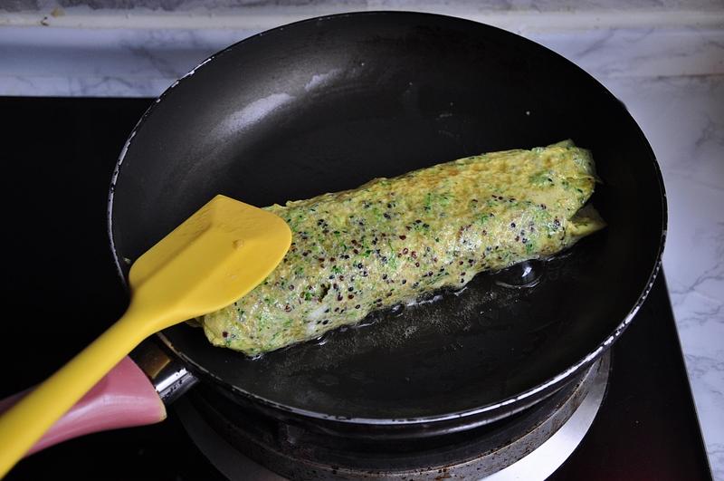 这个蛋卷不仅适合小宝宝,还特适合在减脂期的人食用,低脂又美味