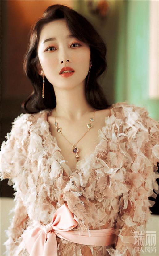 蒋梦婕最新美图曝光_尽显优雅女人味