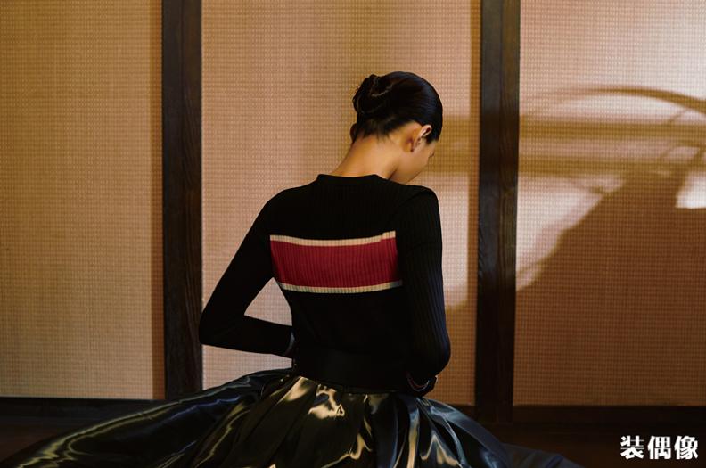 从油画中走出的王媛可_完美腰线令人惊艳