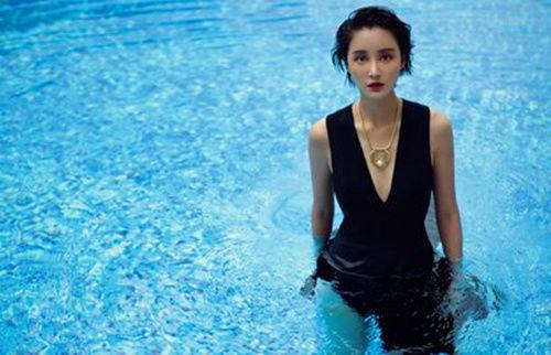 与大12岁的王志飞恋爱,二婚嫁给袁弘,如今38岁依然被宠的像公主