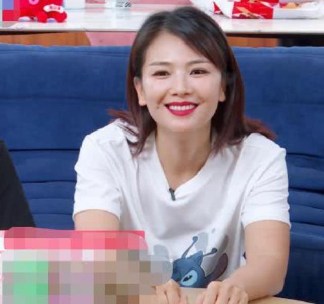知名演员叶璇宣布退出直播,两个月带货扑街,直言没有站台赚得多