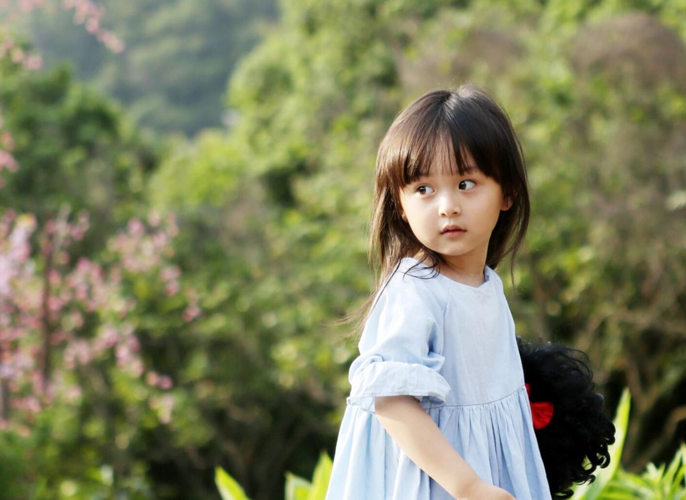 她曾出演TF的mv,与王一博牵手跳舞,今11岁就已演多部热剧