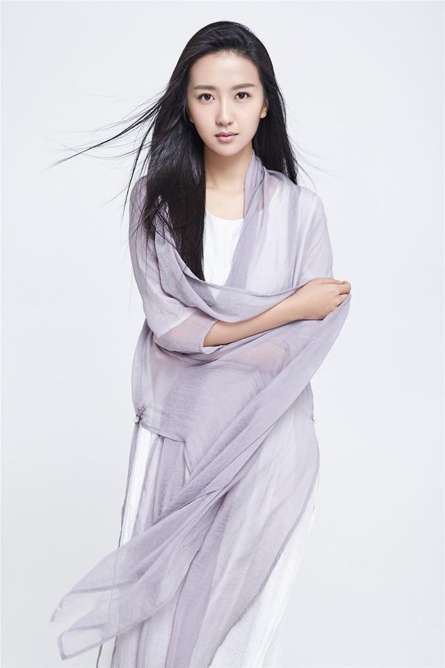 来自云南的8位漂亮女星,70后胡静80后童瑶,你最喜欢谁?