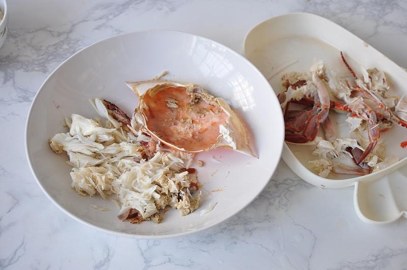 一只梭子蟹一碗饭,烤一烤味道赞,网友:梭子蟹它清蒸着吃不香?